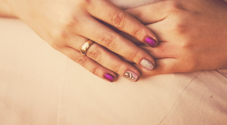 綺麗な保湿された爪