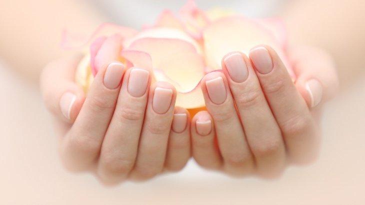 爪の傷みを改善して強くする方法3通り【汚い爪も健康で綺麗な自爪に】